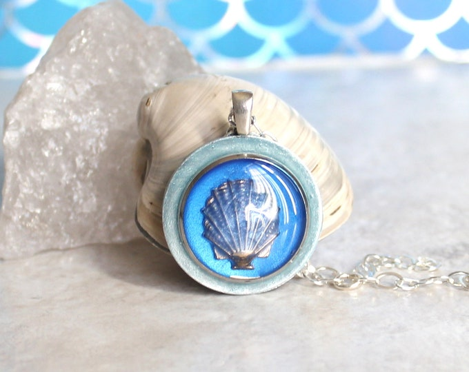 blue Seashell necklace, scallop shell, nature necklace, tide pool necklace, surfer jewelry, beach jewelry, aloha jewelry, unique gift