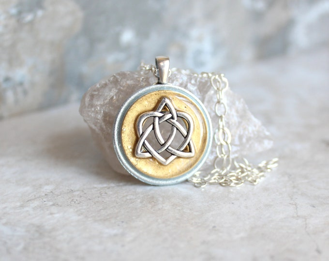gold Celtic sister knot necklace, best friend jewelry, trinity knot pendant, unique gift, anniversary gift, wiccan jewelry, druid jewelry