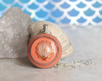 coral Seashell necklace, scallop shell, nature necklace, tide pool necklace, surfer jewelry, beach jewelry, aloha jewelry, unique gift