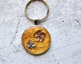bee keychain, flower keyring, unique gift, golden