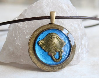 blue stingray necklace, manta ray jewelry, sea ray pendant, unique gift, nature necklace, teacher gift, boyfriend gift, surfer necklace