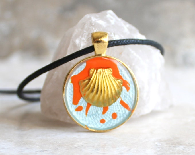 seashell necklace, scalloped seashell, nature necklace, unique gift, ocean jewelry, aloha jewelry, beach pendant, surfer necklace