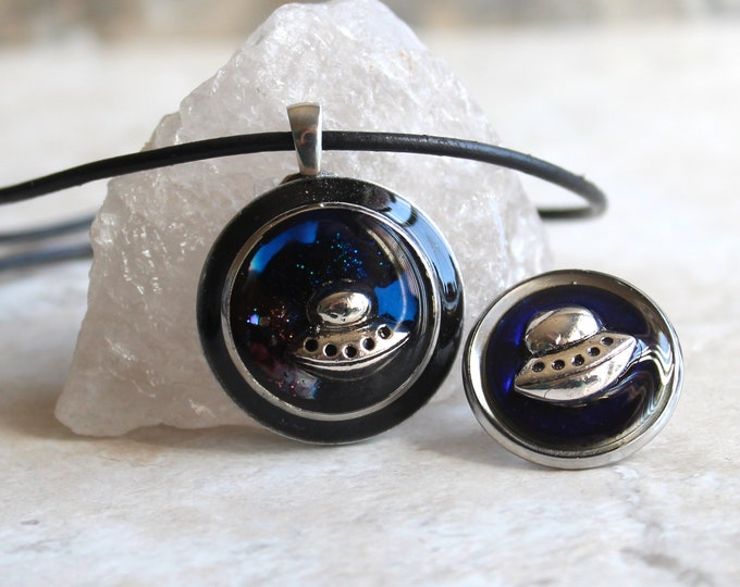 UFO gift set, UFO pin, tie tack, UFO necklace, alien necklace, outer space pendant, galaxy jewelry, unique gift, flying saucer, area 51