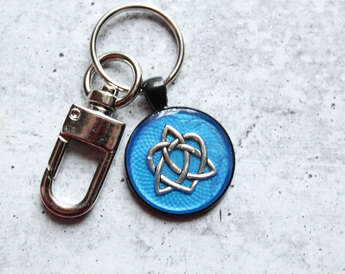 Celtic sister knot keychain, sky blue, unique gift, Valentine's day, heart keyring