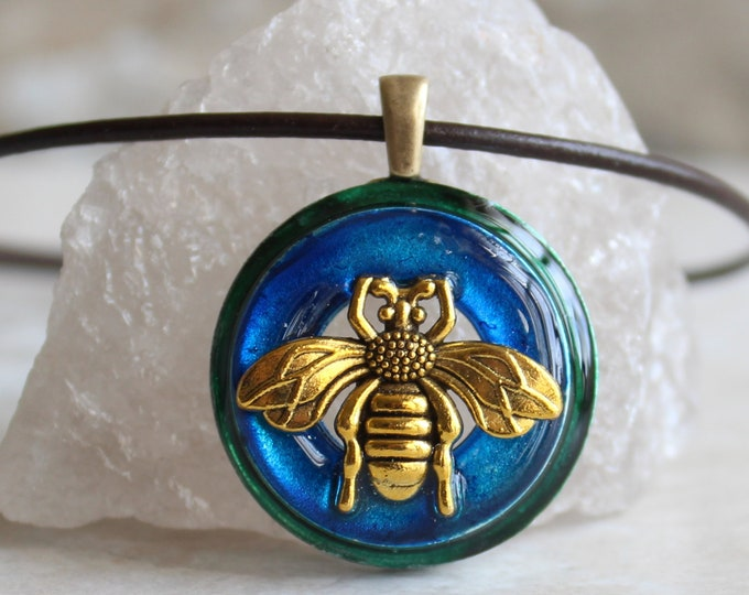 sky blue bee necklace, honeybee jewelry, bumblebee pendant, bee lover, nature necklace, unique gift, boho jewelry, hippie jewelry