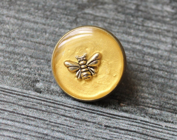 bee pin, lapel pin, tie tack, honeybee pin