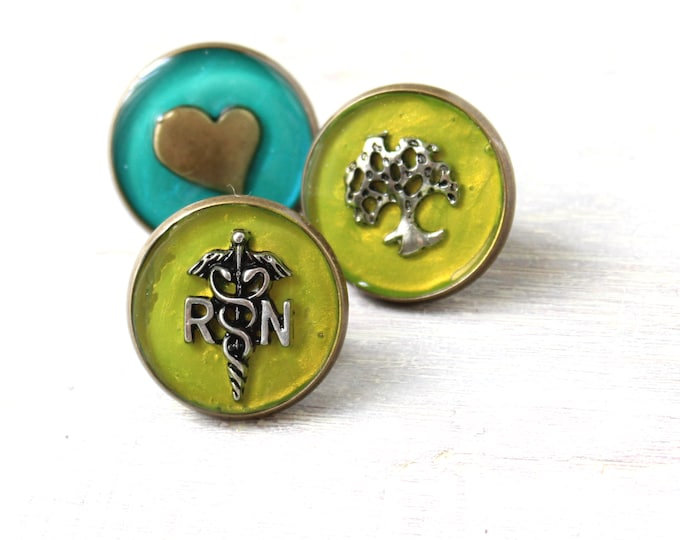 registered nurse RN pin, chartreuse, pinning ceremony, gift set