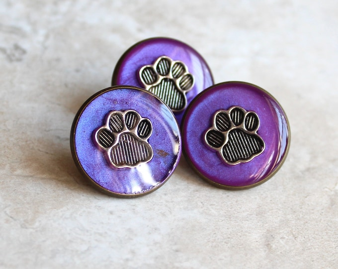 lavender paw print pin, lapel pin, tie tack, dog paw, cat paw, animal paw, veterinarian pin, vet tech pin, unique gift, graduation gift
