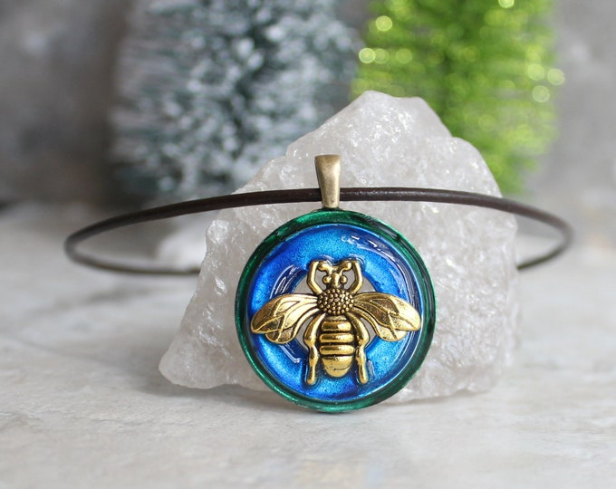 sky blue bee necklace, honeybee jewelry, bumblebee pendant, bee lover, nature necklace, unique gift, boho jewelry, hippie jewelry