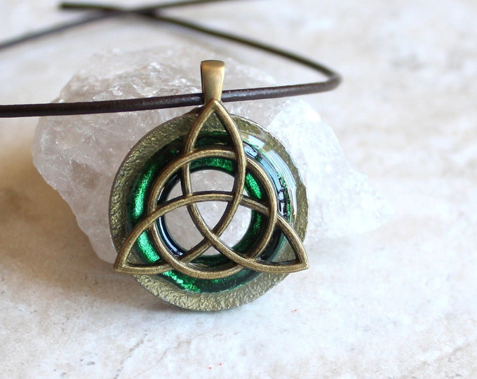 forest green triquetra necklace, mens jewelry, Celtic knot jewelry, mens Irish pendant, boyfriend gift, wiccan necklace, druid jewelry