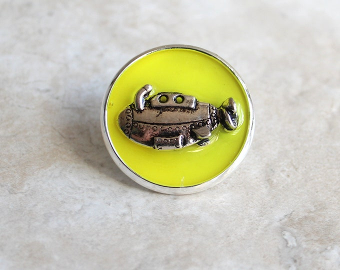 yellow submarine lapel pin, submarine brooch, scarf pin, unique gift, underwater explorer, gift for men, ocean jewelry, gift for women