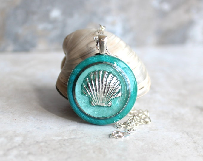 aqua Seashell necklace, scallop shell, nature necklace, tide pool necklace, surfer jewelry, beach jewelry, aloha jewelry, unique gift