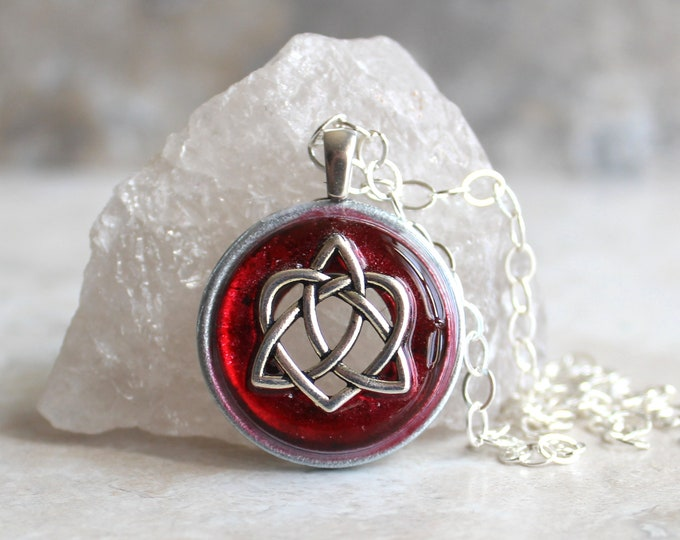 red Celtic sister knot necklace, best friend jewelry, trinity knot pendant, sister gift, Celtic jewelry, triquetra necklace