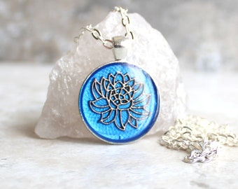 blue lotus flower necklace, water lily, nature necklace, floral jewelry, unique gift, woman gift, spiritual jewelry, gift for her