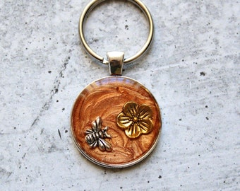 bee keychain, flower keyring, unique gift, bronze
