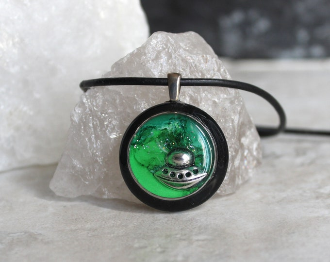 green UFO necklace, alien necklace, outer space pendant, galaxy jewelry, unique gift, flying saucer, area 51