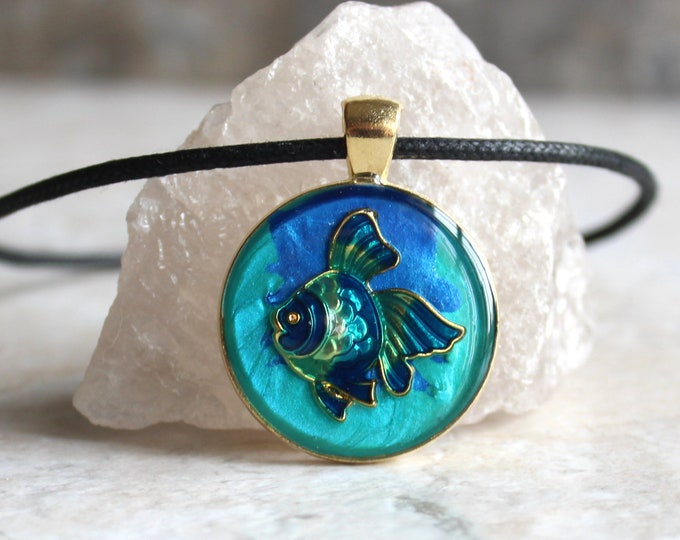 fish necklace, tropical fish, nature necklace, unique gift, ocean jewelry, aloha jewelry, beach pendant, surfer necklace, ocean lover