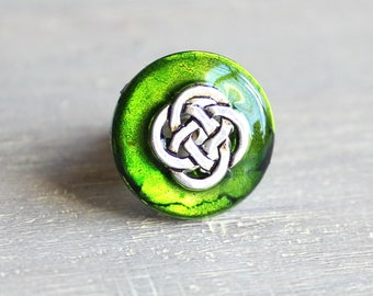 green celtic knot tie tack, mens jewelry, irish tie tack, celtic tie tack, lapel pin, wedding jewelry, best man gift, irish wedding