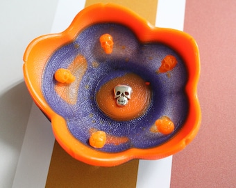 Halloween ring dish, small flower bowl with skulls, Halloween decoration, trendy trinket dish, candle holder, knick knack bowl