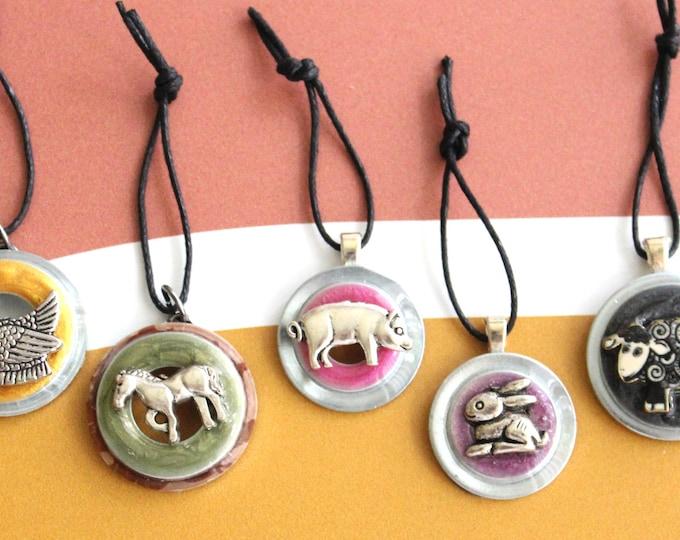 farm animal ornaments, set of 5, table top tree ornaments, miniature tree, farm ornaments, horse ornament, barn ornament