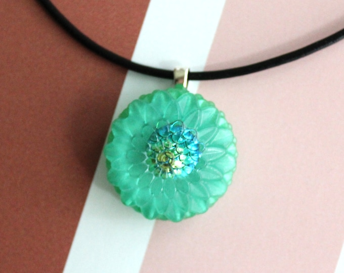 Chrysanthemum necklace, nature necklace, floral jewelry, boho style, unique gift, cord necklace