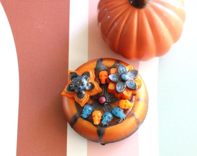 spooky flower pot, table top decoration, micro landscape, resin ornament, resin table decor, Halloween decoration, witches' cauldron