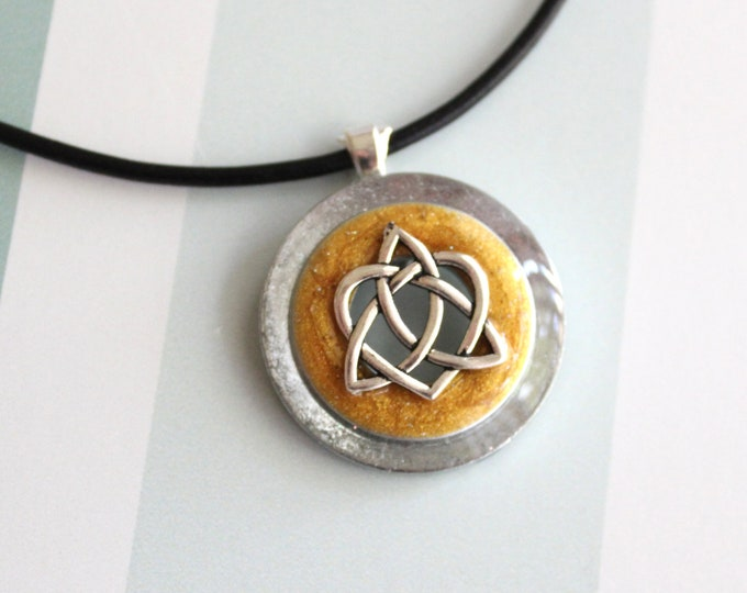 Celtic sister knot necklace, gold, best friend jewelry, trinity knot pendant, unique gift, anniversary gift, wiccan jewelry, druid jewelry