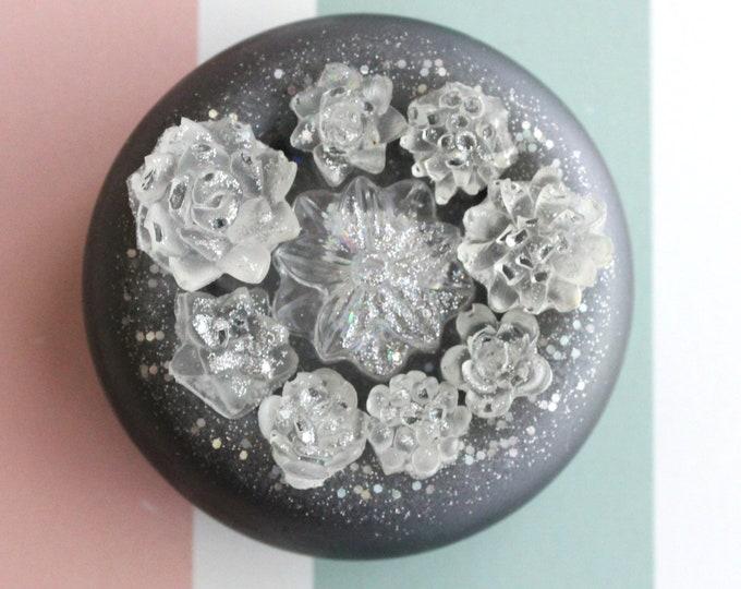tiny succulent pot, winter fantasy, table top decoration, micro landscape, resin ornament, resin table decor, unique gift