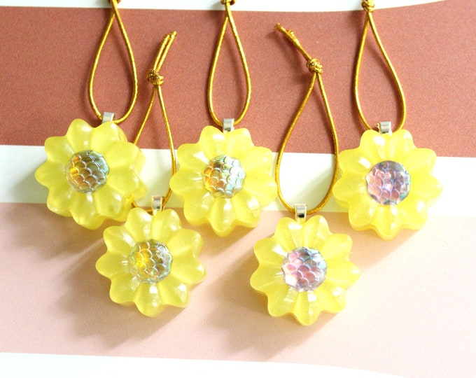 yellow daisy ornaments, set of 5, table top tree ornaments, spring tree decorations, miniature tree, flower ornaments