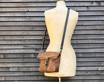 Day bag in waxed canvas with folded top / small messenger bag / canvas satchel