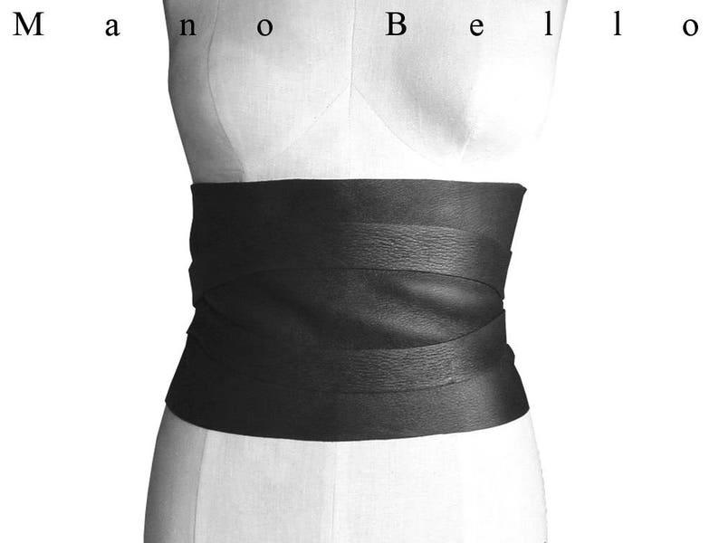 86c3abf5353ee Large Corset ceinture cuir noir serre taille en cuir noir Obi | Etsy
