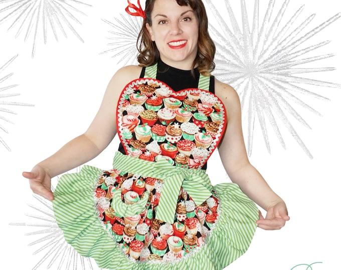 Xmas apron/SewMammaSew Apron/Vintage style/Xmas cupcakes print/Vintage style xmas apron/Handmade apronm/Retro Apron/Cupcake print xmas apron