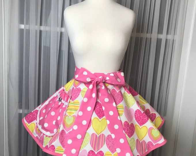 Valentine apron /Half apron /Hostess Apron /SewMammaSew Apron /Valentine print apron /Women's Valentine apron /Gift Apron