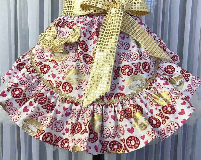 Valentine's apron/Half Apron/Valentine's half apron /SewMammaSew Valentine apron /Women's Valentine apron /Gift Apron /Apron /Vintage Style