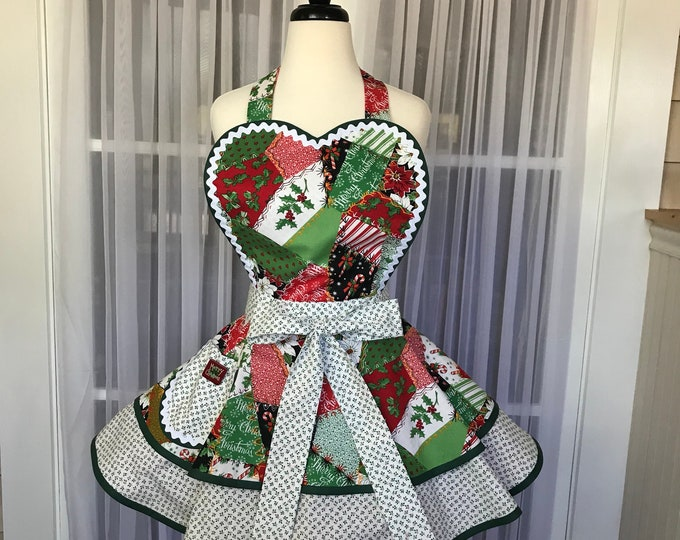 Christmas apron SewMammaSew apron Christmas patchwork apron Pinup apron Women's apron Gift apron Kitchen apron Patchwork apron Vintage apron