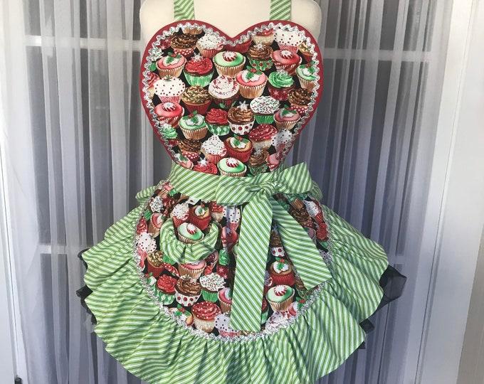 Christmas apron /Retro Christmas apron /Pinup xmas apron/SewMammaSew Apron/Christmas/Hostess Apron/Apron/Pinup/Cupcake print apron
