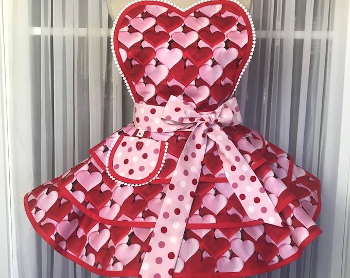FREE MASK/Valentines apron/Retro Valentine apron/SewMammaSew Apron/Valentine Hostess Apron/Valentines Hearts apron/Hearts apron/Heart mask
