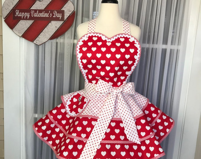 Valentine apron /Apron for Valentine's Day /SewMammaSew Apron /Hostess Apron /Costume Apron /Gift Apron / Pinup Apron /Two Tiered apron