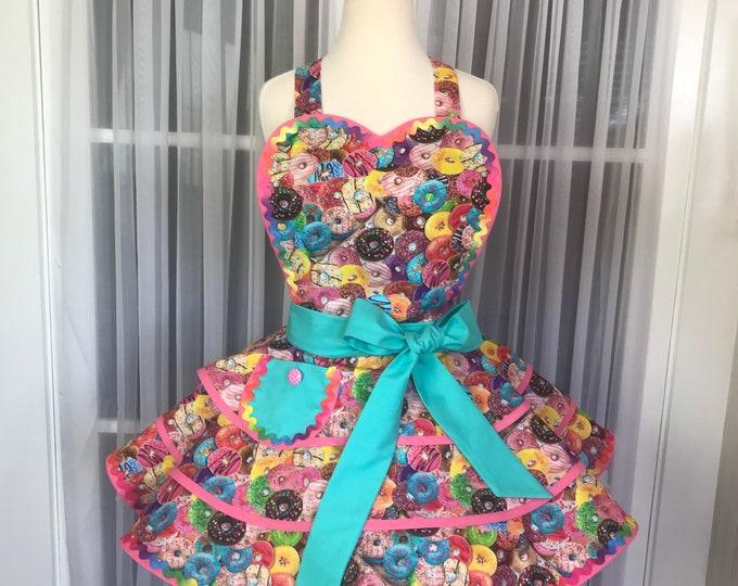 Doughnuts Apron/Pinup style apron/Handmade apron/SewMammaSew Apron/Hostess pinup apron/Retro style apron/Doughnut/print pinup apron