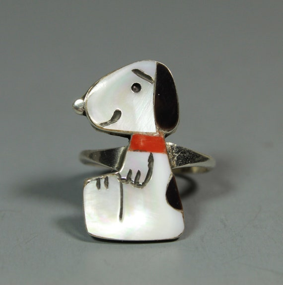 Zuni Snoopy Ring size 8-3/4 MOP Coral Shenel Comos