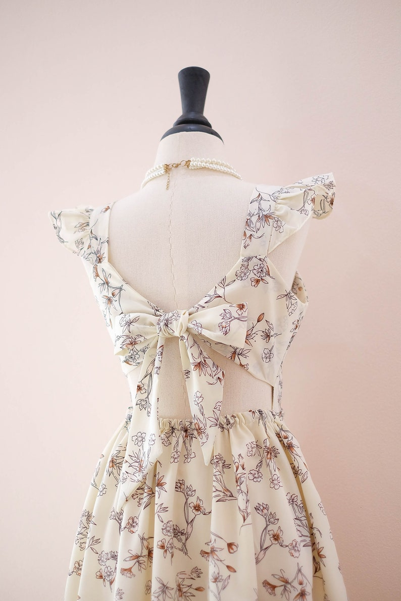 SALE Vintage creamy floral dress sweet spring summer sundress Bow back ruffle party cocktail wedding bridesmaid dress short women tea dress