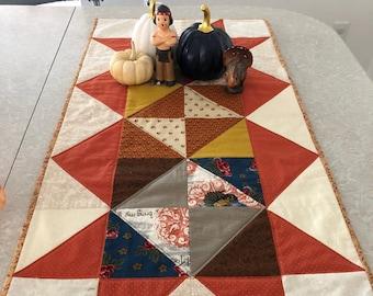 Fall Thanksgiving Retro Table Runner