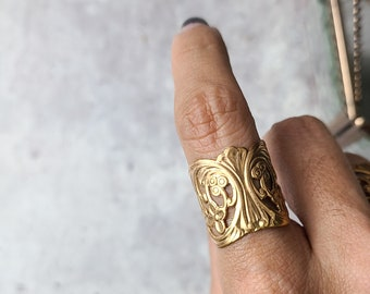 antique vintage brass floral adjustable ring, art nouveau band, light dark academia cottagecore folklore jewelry, gift for bridesmaids them
