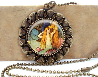 MERMAID  - Antiqued Brass Ornate Setting Necklace with matching ballchain