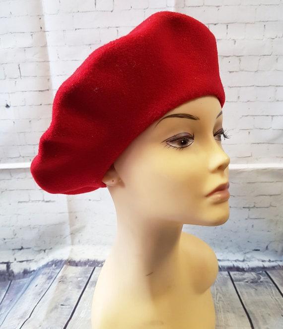 Vintage Red Beret | Original 1960s Vintage Red Kan