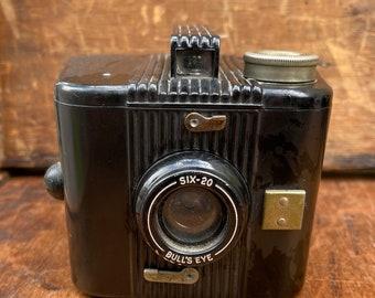 Vintage Kodak Six-20 Bull's Eye Camera I 1930's I Retro I Shabby Chic