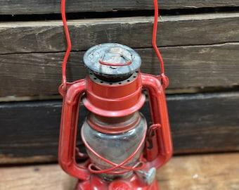 Vintage Pressed Steel Hilco No. 350 Kerosene Lantern | Antique Lighting | Railroad Lamp | Office Decor | Shabby Chic