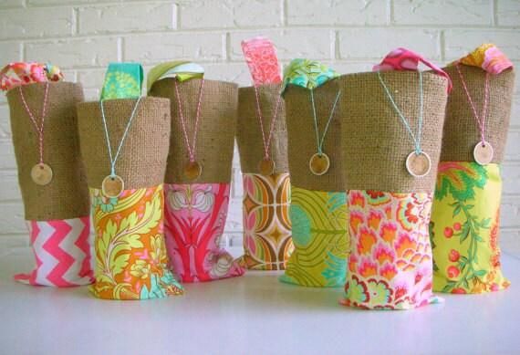 Beach Wedding Gift Bag Ideas: Items Similar To Bridesmaid Gift Bags Wine