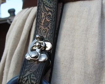 Customizable Rope Edged Floral Design Mug Frog, Tankard Strap