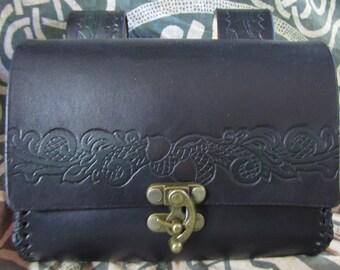 Leather Belt Bag Medieval, Acorn and Leaves Stamp Design, Belt Pouch Medium, Leather Bag, LARP, SCA, Costume, Ren Faire, Customizable